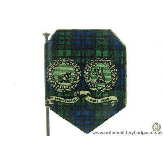 additional image for K1D/10 - WW1 Argyll & Sutherland Highlanders 1915 Flag Day Badge