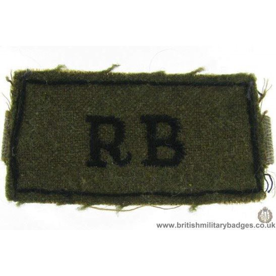 E1B/19 - WW2 The Rife Brigade Regiment RB Slip-On Shoulder Title