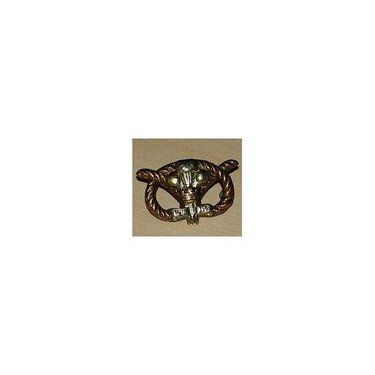 II09/030 - North Staffordshire Regiment Collar Badge (1895-1902)