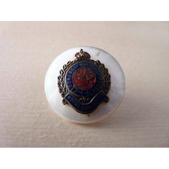 SS09/016 - Royal Engineers 'mother of pearl' Sweetheart Brooch