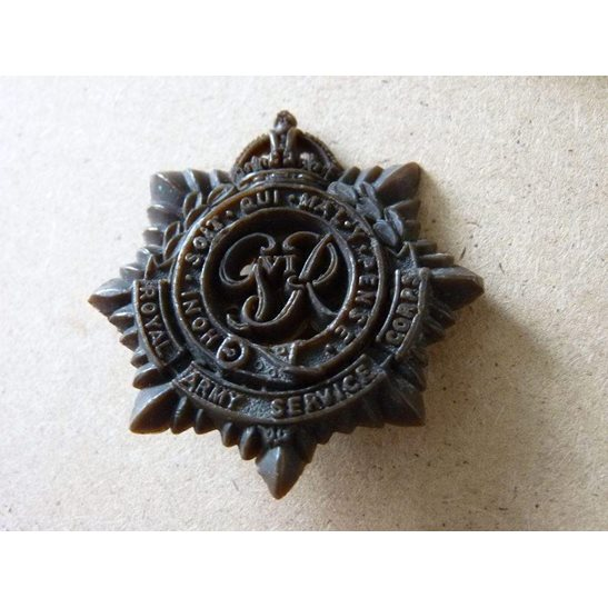 ZA09/005 - Royal Army Service Corps Bakelite Cap Badge