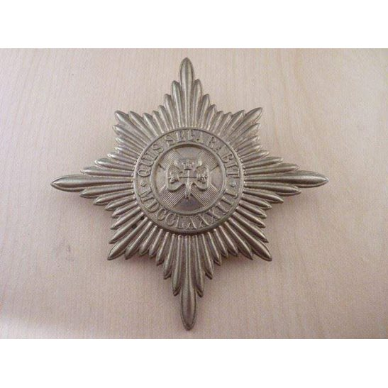 A55/034 - Irish Guards Pipers Caubeen Badge