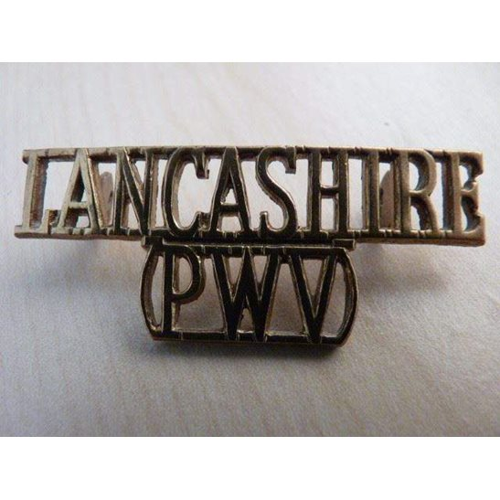 D55/017 - Lancashire Regiment Shoulder Title