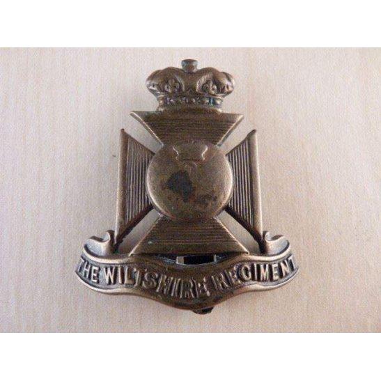 B55/004 - The Wiltshire Regiment Cap Badge