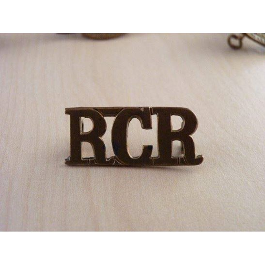 B55/031 - Royal Canadian Regiment RCR Shoulder Title