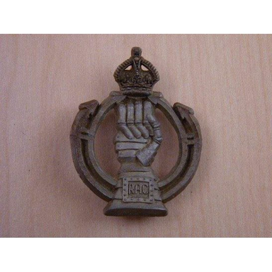 N55/001 - RAC Royal Armoured Corps PLASTIC Cap Badge