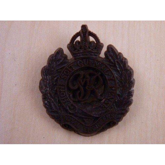 N55/008 - Royal Engineers Corps PLASTIC Cap Badge