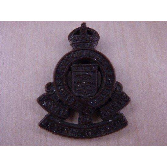 S44/037 - RAOC Royal Army Ordnance Corps PLASTIC Cap Badge