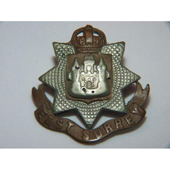 Y55/073 - East Surrey Regiment Cap Badge
