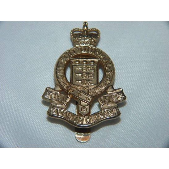 L55/158 - Royal Canadian Ordnance Corps RCOC Cap Badge