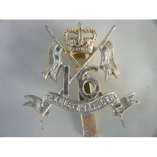 L55/254 - 16th The Queens Lancers Regiment Staybright Cap Badge