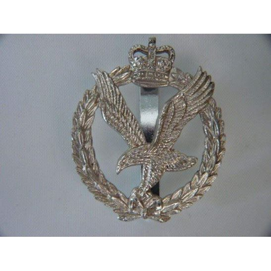 L55/285 - Army Air Corps AAC Staybright Cap Badge