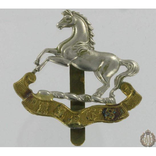 1A/022 - The King's Liverpool Regiment Cap Badge - Kings