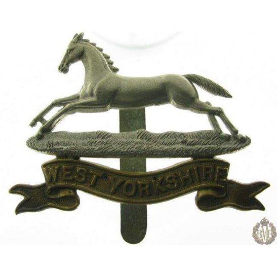 1B/006 - West Yorkshire Regiment Cap Badge