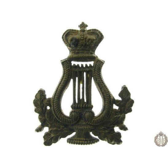 1B/031 - Military Band Corps Musicians Cap Badge - QVC