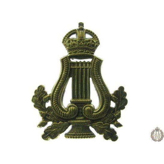 1B/033 - Military Band Corps Musicians Cap Badge - QVC