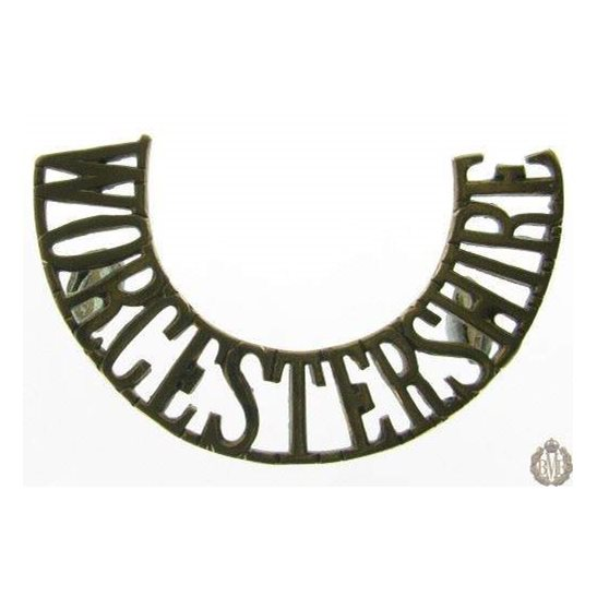 1B/063 - Worcestershire / Worcester Regiment Shoulder Title
