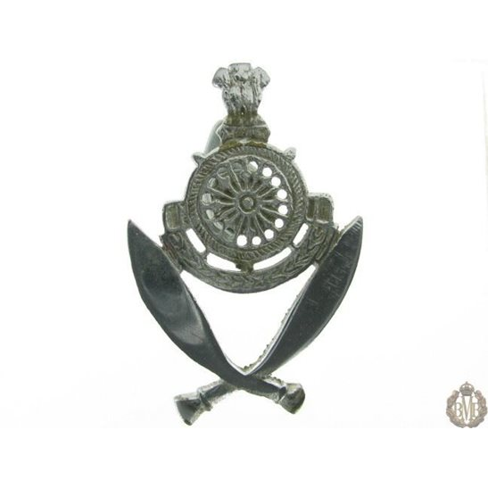 1H/004 - UNKNOWN Indian Army Gurkha Rifles Regiment Cap Badge