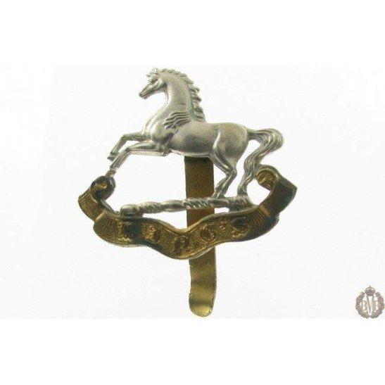 1I/028 - The King's Liverpool Regiment Cap Badge - Kings