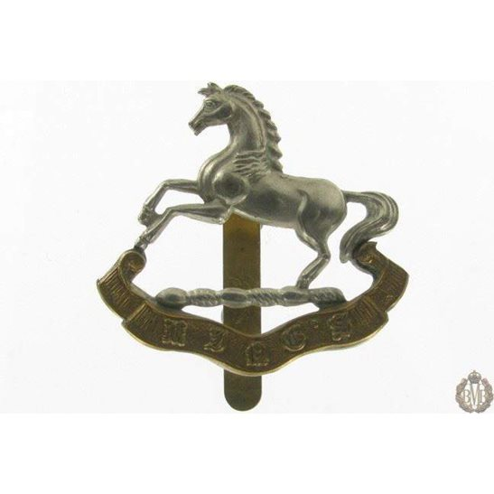 1I/059 - The King's Liverpool Regiment Cap Badge - Kings