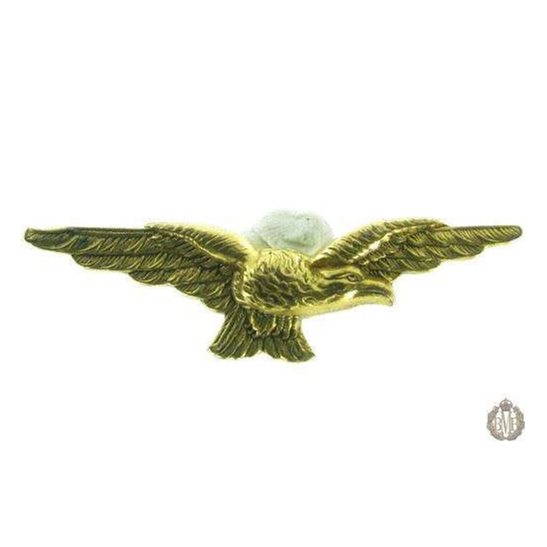 1KB/03 - Royal Air Force RAF Pathfinders Wings Uniform Cap Badge