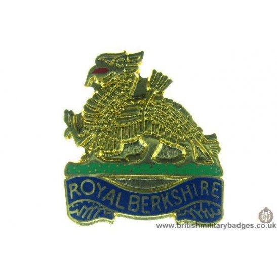 S1A/33 - The Royal Berkshire Regiment Lapel Badge