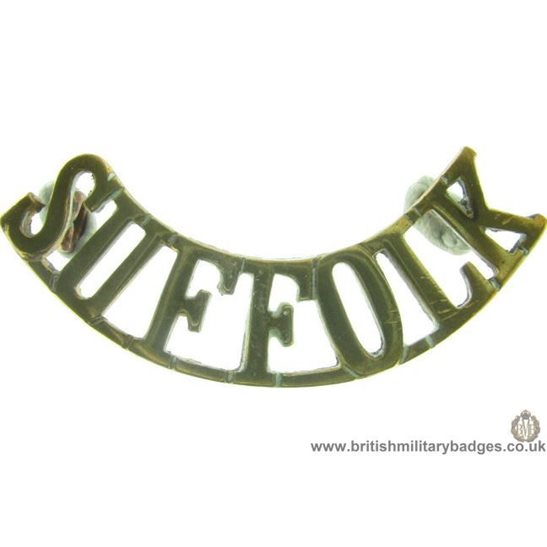C1B/14 - Suffolk Regiment Shoulder Title