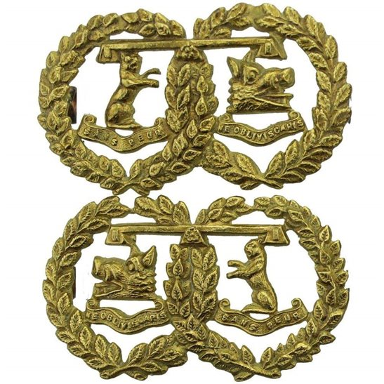 Argyll and Sutherland Highlanders Argyll and Sutherland Highlanders Regiment OFFICERS GILT Collar Badge PAIR