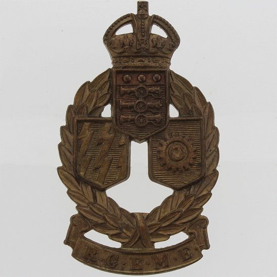 WW2 Canadian Army WW2 Royal Canadian Electrical and Mechanical Engineers Corps RCEME Cap Badge