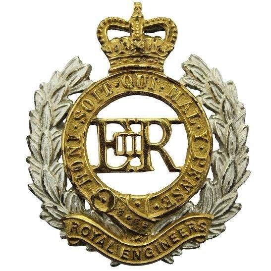 Royal Engineers Royal Engineers Corps OFFICERS Gilt Cap Badge - Queens Crown