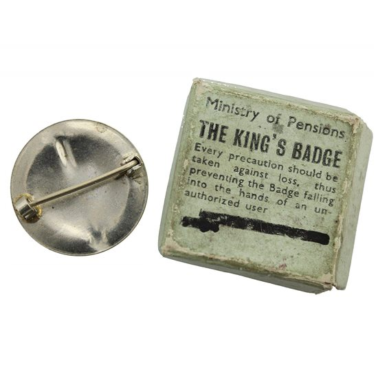 additional image for WOMENS VERSION WW2 Kings For Loyal Service Silver War Wound King's Lapel Badge & Box
