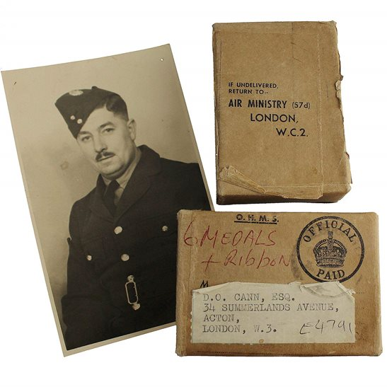 Royal Air Force RAF WW2 AIR MINISTRY Medal Postage Transmittal Box & Original Photo of Recipient - Royal Air Force