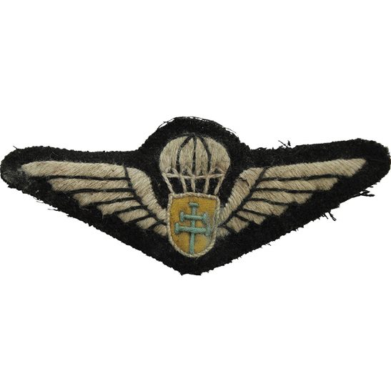 WW2 French Army WW2 Free French (Cross of Lorraine) Parachute Regiment Paras Cloth Insignia Cap Badge