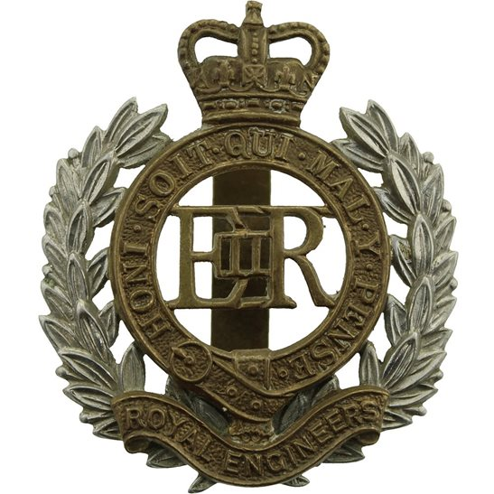 Royal Engineers Royal Engineers Corps Cap Badge - Queens Crown