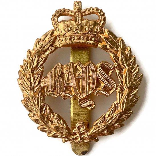 2nd Dragoon Guards 2nd Dragoon Guards (Queens Bays) Regiment Cap Badge - Queen's Crown