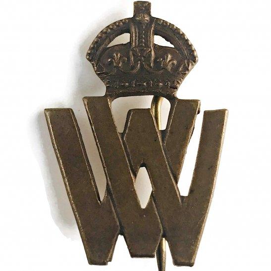 WW1 Womens War Volunteer Worker WV Lapel Badge - JR GAUNT LONDON