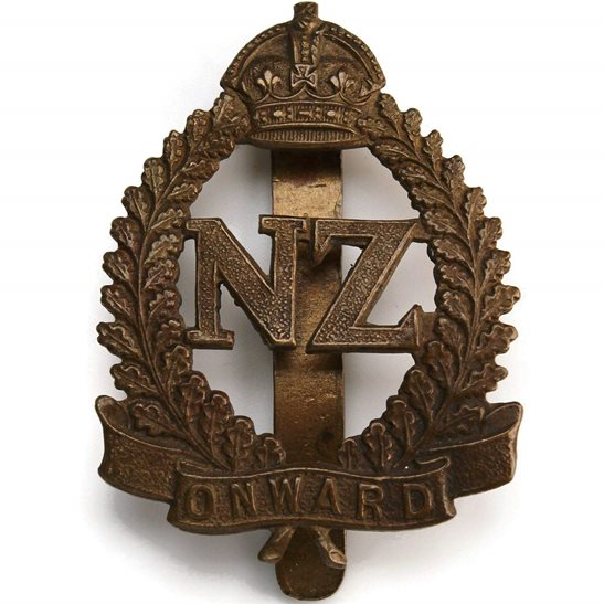 WW1 New Zealand Army WW1 New Zealand Army Infantry Forces BRITISH SECTION Cap Badge - OAK LEAVES