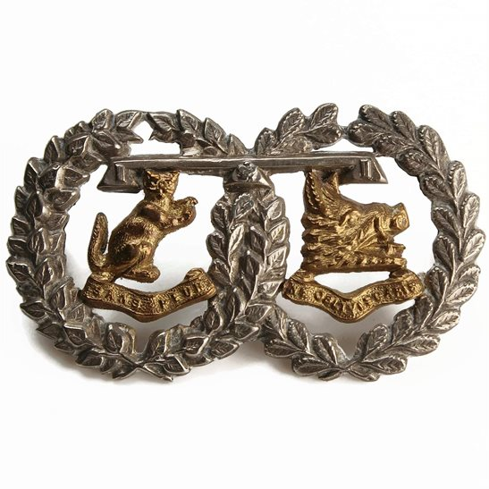 Argyll and Sutherland Highlanders Argyll and Sutherland Highlanders Regiment Officers Silver & Gilt Collar Badge