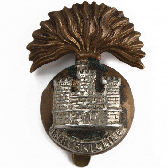Royal Inniskilling Fusiliers WW1 Royal Inniskilling Fusiliers Irish Regiment Cap Badge (Flag Left)
