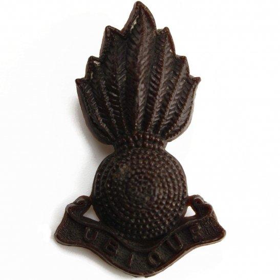 Royal Artillery WW2 Royal Artillery Regiment PLASTIC Cap Badge (Cap NOT Collar Badge)