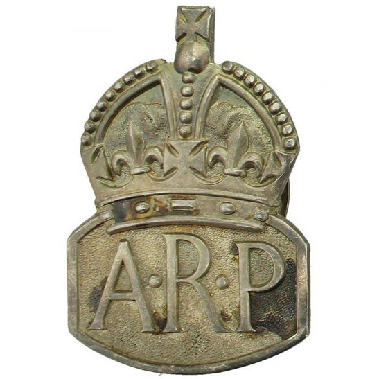 Air Raid Precautions ARP WW2 ARP Warden (Air Raid Precautions) HALLMARKED Silver Lapel Badge - MENS