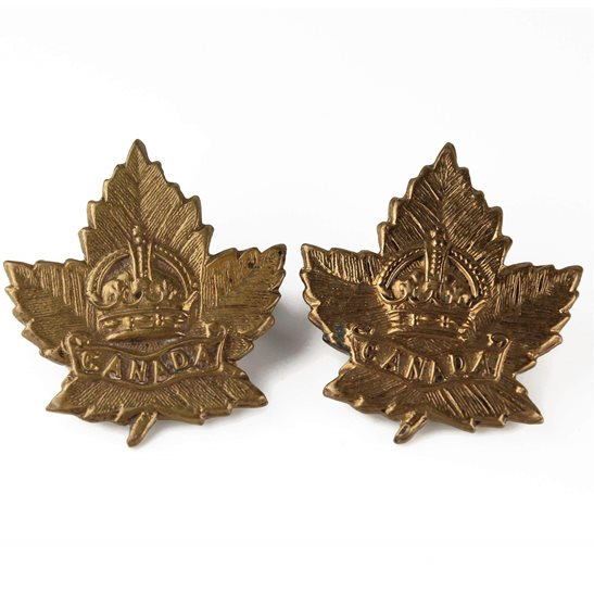 WW2 Canadian Army WW2 Canadian Army Division / Canada Corps CEF Collar Badge PAIR