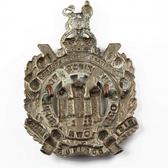 additional image for WW1 Kings Own Scottish Borderers Regiment KOSB (King's) Cap Badge
