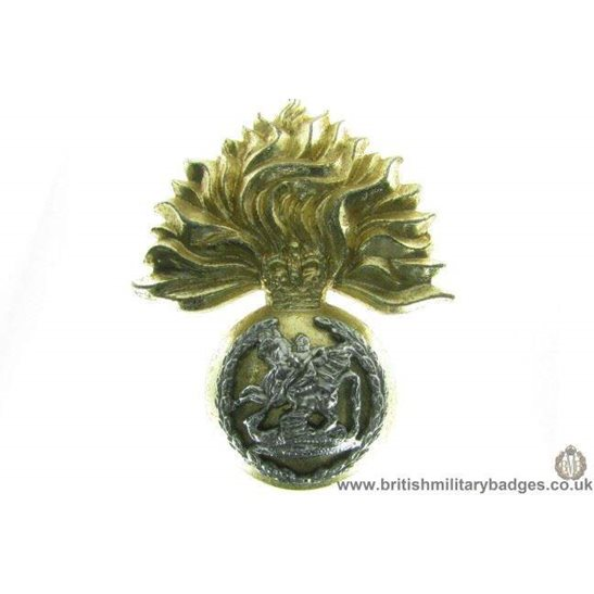 F1B/05 - Northumberland Fusiliers Regiment Staybrite Cap Badge