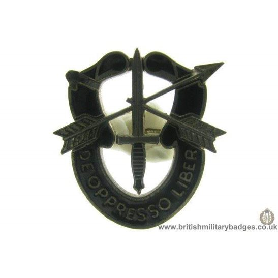 J1A/45: United States Army Special Forces Lapel Badge