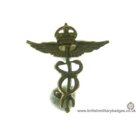 B1B/70 - Royal Air Force Medical Corps Officers RAF Collar Badge