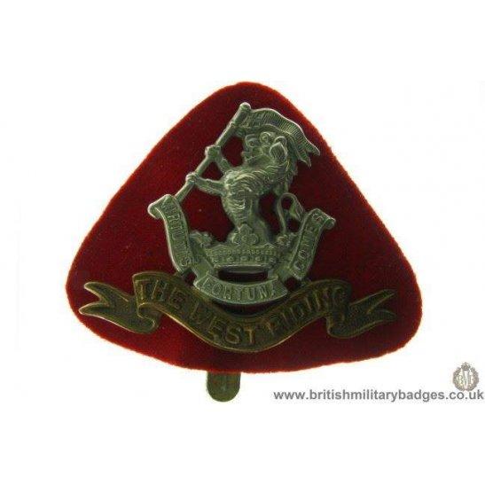 A1B/15 - West Riding Regiment Cap Badge