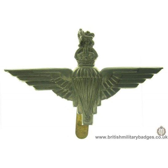 """A1B/32 - Parachute """"Paras"""" Regiment Cap Badge"""