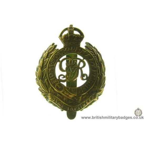 "A1C/17 - Royal Engineers Corps ""George V"" Cap Badge"