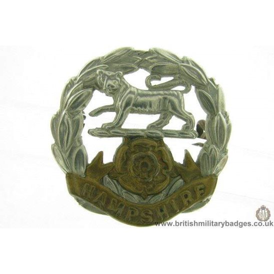 A1F/12 - VICTORIAN Hampshire Regiment Cap Badge - LUGS